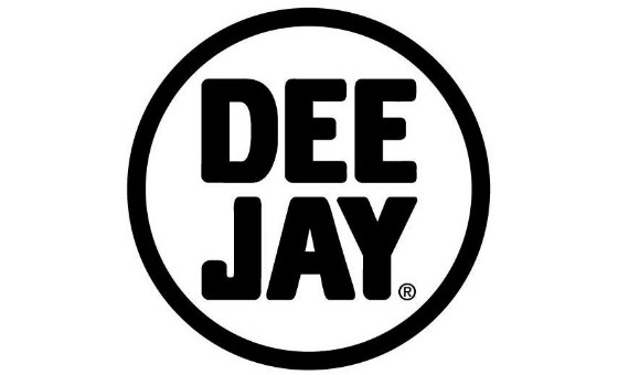 How to submit a press release to Radio Deejay